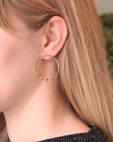 Boucles d'oreilles Rosalia, exclusivités du mois portées en rhodonite