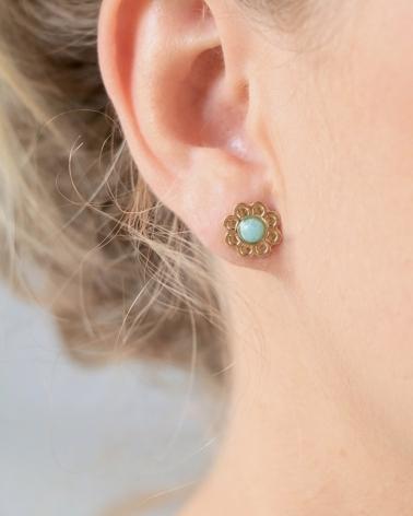 Petites Puces d'oreilles Coachella en Amazonite portées