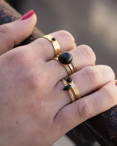 Bague fine pierre Katniss en Agate Noire (accompagnée de la bague Blossom, Kali et Honolulu en Agate Noire)